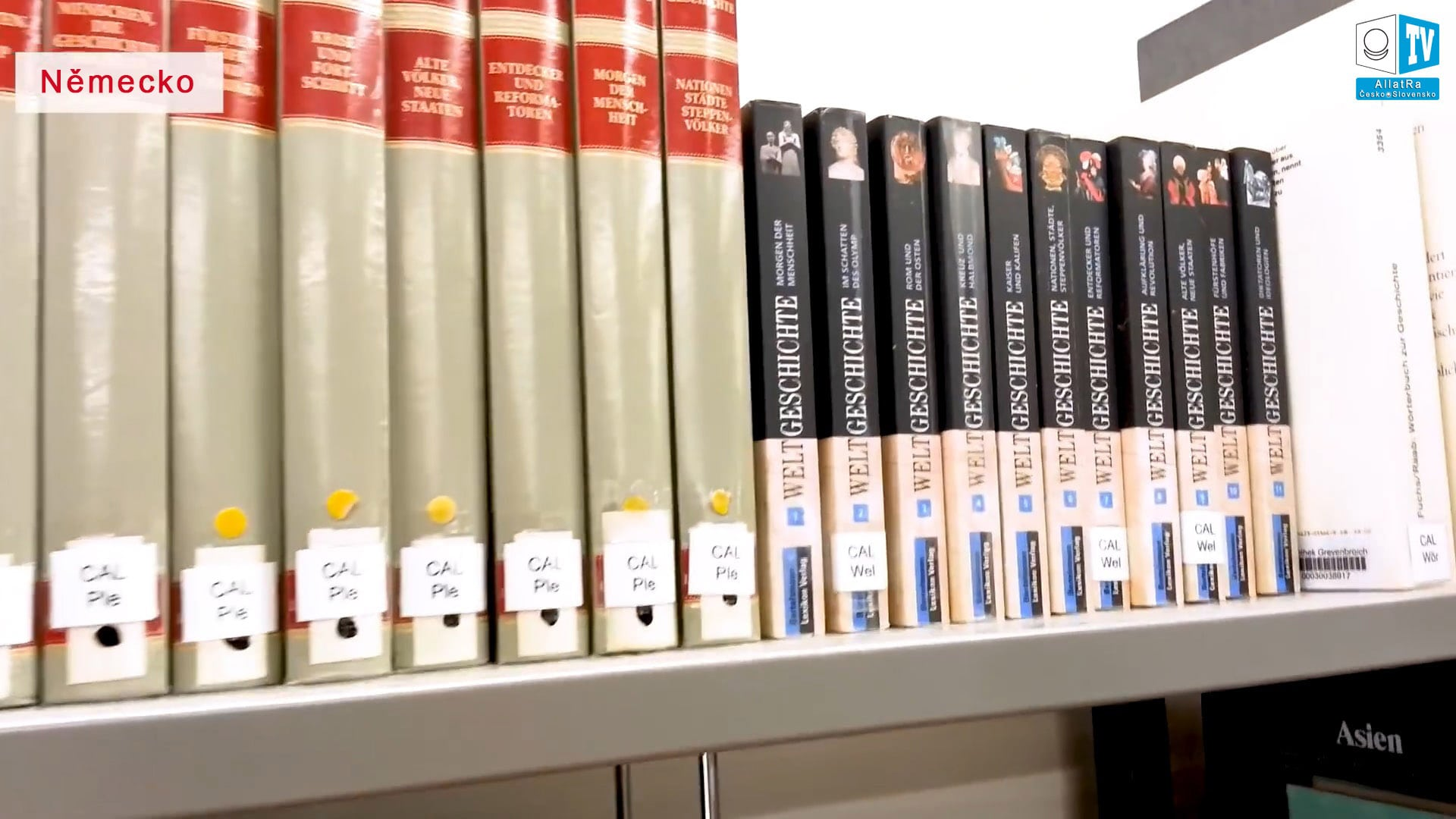 Učebnice historie. Foto